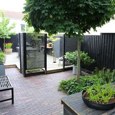 Modern Garden Fence Design For Summer Ideas 44 Back Gardens, Outdoor Gardens, Modern Gardens, Fence Design, Diy Design, Design Ideas, Modern Design, Contemporary Garden, Garden Fencing