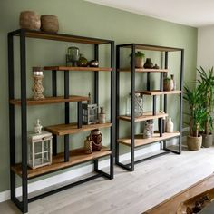 Looking inside . a modern industrial living room in Nieuwerkerk aan den IJssel - # living room inspiration Last week I was asked to come and give styling advice and lighting advice to the residents Living Room Accents, Living Room Grey, Home Living Room, Living Room Decor, Interior Design Living Room, Living Room Designs, Muebles Living, Regal Design, Living Room Inspiration