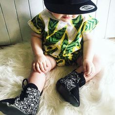 This lil gal 😍 what a cutie, love a bit of pattern on pattern too! 🌵Featuring our Handprinted Diamond Hightops🌵 ➖➖➖➖➖➖➖➖➖➖➖➖ ✖️ Gorgeous photo by @Floss_the_boss_ ✖️ ➖➖➖➖➖➖➖➖➖➖➖➖ #babystyle #hightops #coolbabe #softsoledshoes #nzhandmade #shopsmall #instakid #softsoleshoes #babyboxingboots #babykicks #handmade #finnbearnz #madebyhand #etsy #coolbub #coolbaby #softsolekidsshoes #screenprinted #kidfashion #tinylittleshoes #etsynz #toddlershoes #kidsshoes