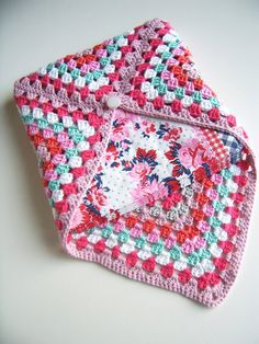 Crocheted napkinholder for a sweet summer meal in the garden.... $24.50, via Etsy.