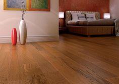 Pavimenti prefiniti in legno oasi - plank teak spazzolato, verniciato.