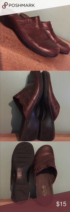 Clarks Leather Clogs Rich brown leather slip on clog shoes in good condition. Minor scuffing on back of shoes and toes. Black heel/sole. Selling for a family member but awesome bundle discount still applies. More Clarks listed soon too! Clarks Shoes Mules & Clogs