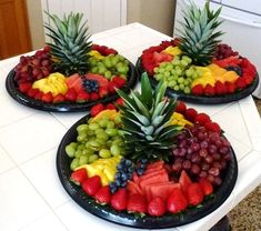 Ideas Fruit Tray Ideas Party Platters For 2019 Party Platters, Party Trays, Snacks Für Party, Parties Food, Fruit Party, Table Party, Fruit For Parties, Bbq Food Ideas Party, Party Fruit Platter