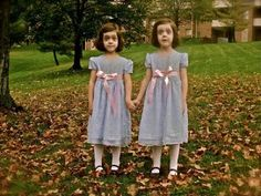 These 17 Twins Came Up With The Best Halloween Costume Ideas Of All Time. [MOBILE STORY]