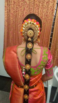 indian wedding hair Bridal blouse back designs south Indian - Indian Fashion Ideas South Indian Wedding Hairstyles, Bridal Hairstyle Indian Wedding, Bridal Hair Buns, Bridal Braids, Bridal Hairdo, Hairdo Wedding, Hairstyles For Gowns, Saree Hairstyles, Bride Hairstyles