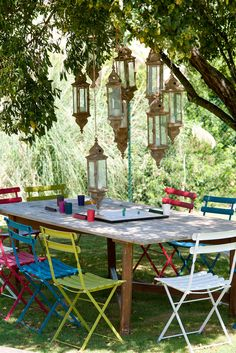 54 Cool and relaxing outdoor living spaces to welcome summer Outdoor Retreat, Outdoor Rooms, Outdoor Dining, Outdoor Tables, Outdoor Gardens, Outdoor Decor, Strand Design, Garden Furniture, Outdoor Furniture Sets