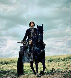 #Outlander #SamHeughan #DonasTheHorse  #JamieFraser  #Horse #Scotland #Highlander #jammf #kneeporn Happy friday ! ❤