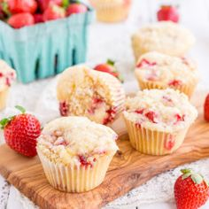 Strawberry Coffee Cake Muffins Best Muffin Recipe, Muffin Recipes, Breakfast Recipes, Breakfast Salad, Breakfast Muffins, Easy Soup Recipes, Easy Cake Recipes, Dessert Recipes, Simple Recipes