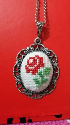 Kolye Learn Embroidery, Beaded Embroidery, Hand Embroidery, Cross Stitch Cards, Cross Stitching, Palestinian Embroidery, Brazilian Embroidery, Minis, Clay Earrings