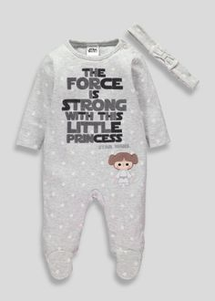 Girls Star Wars sleepsuit in grey marl with a star print featuring 'The force is strong with this little princess' embroidery and Princess Leia Trendy Baby Clothes, Star Wars Baby Clothes, Disney Baby Clothes Girl, Babies Clothes, Star Wars Nursery, Star Wars Outfits, Star Wars Girls, Disney Star Wars, Baby Boy Rooms