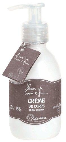 Crème fluide nourrissante pour le corps parfumée d'un mélange de fleurs sauvages www.boutique-lothantique.com