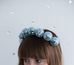 Faça uma tiara para usar quando você estiver se sentindo incrível. | 35 projetos DIY absolutamente impressionantes