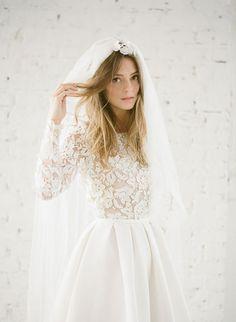 Une robe de mariée contemporaine