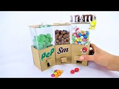 ✌✌ ✌ In this video I'll show you How to Build Candy Dispenser from Cardboard Measurements: 6 x 2 CM = 2 6 x 9 cm = 2 6 x 7 cm = 2 6 x 6 cm = 4 4 x 4 + 3 x 2 . Diy Cardboard Furniture, Cardboard Box Crafts, Cardboard Crafts, Cardboard Playhouse, Diy Furniture, Furniture Design, Candy Dispenser, Vending Machine Diy, Glue Gun Projects