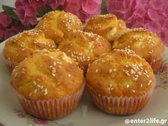 Muffins καλαμποκιού με τυρί φέτα www.enter2life.gr Finger Food Appetizers, Finger Foods, Cupcakes, Cupcake Cakes, Cypriot Food, Savory Muffins, Greek Cooking, Flour Recipes, Greek Recipes