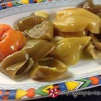 Πιπεριές διατηρημένες σε λάδι Pickles, Cucumber, Potatoes, Vegetables, Food, Potato, Essen, Vegetable Recipes, Meals
