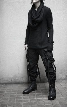 Reminds me of my old Illig rave pants.  Coupled with the boots?  I could rock this pretty damn hard.  #PunkRockGentleman