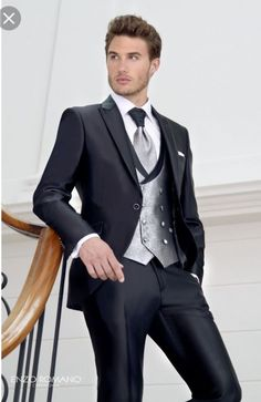 Wedding Suit 2017 Latest Coat Pant Designs Italian Style Black Groom Tuxedos 3 Piece Slim Fit Wedding Prom Dinner Suits For Men Groomsman Tuxedo Wedding, Wedding Men, Wedding Suits, Trendy Wedding, Wedding Dinner, Wedding Groom, Outfits Casual, Mode Outfits, Men Casual