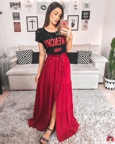 Skirts that will make your tops leave your comfort zone Skirts that will make your tops leave your comfort zone<br> Modest Outfits, Skirt Outfits, Cute Outfits, Skirt Fashion, Fashion Outfits, Sunday Outfits, Fashion Vocabulary, Church Outfits, Red Skirts