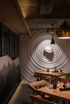 Sozo is a Japanese food restaurant in Chengdu, China. Designed by Ahead Design, a design firm based in Taiwan.Photographed by Seth Powers.  [2016.8]