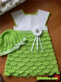 Dress and hat for girls crochet - this one has the pattern for the fans!!