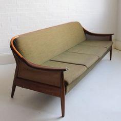 Greaves & Thomas Teak Sofa bed An iconic sofa from renowned maker, Greaves & Thomas of Bond Street. Mcm Furniture, Classic Furniture, Vintage Furniture, Furniture Design, Sofa Bed Vintage, Sofa U Form, Wooden Sofa Set Designs, Lenotre, Modul Sofa