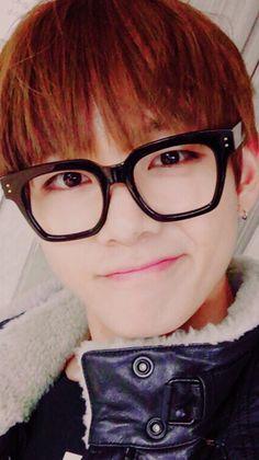 TaeTae in glasses! #V #Taehyung #BTS