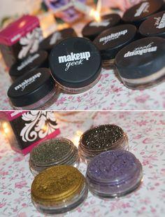 AMO de paixão eterna os pigmentos da Makeup Geek, eles não perdem em nada para MAC e as cores são fantásticas e o melhor é que o preço é muito mais em conta, cada um custa $6.99 e são vendidos...