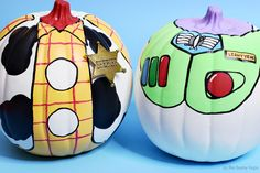 You've Got A Friend In These Buzz and Woody Toy Story Pumpkins! - As The Bunny Hops® pumpkin painting Toy Story Kostüm, Toy Story Party, Halloween Pumpkins, Fall Halloween, Halloween Crafts, Halloween Ideas, Disney Halloween, Pumpkin Decorating Contest, Decorating Ideas