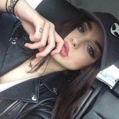 Shop from the best fashion sites and get inspiration from the latest alien. Acacia Brinley, White Nike Hat, Black And White Nikes, Jordan Sweeto, Girls Tumblrs, Beauty Makeup, Hair Makeup, Grunge, Grey Alien
