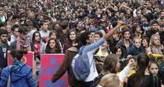 Scuola Venezia, paradossale: Flash mob degli studenti pro docenti
