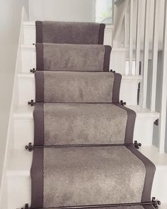 Carpet Runners For Stairs Lowes Info: 3425487056 Beige Carpet, Diy Carpet, Patterned Carpet, Carpet Ideas, Where To Buy Carpet, How To Clean Carpet, Staircase Carpet Runner, White Staircase, Victorian Stairs