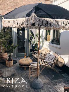 Style Ibiza, Outdoor Balcony, Outdoor Decor, Fresco, Pool Umbrellas, Outdoor Umbrellas, Garden Parasols, Outside Room, Bohemian Furniture