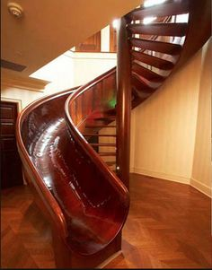 Spiral Staircase Slide, Indianapolis, Indiana - Happiness in a stair-slide :) Green Design, Stair Slide, Stairs With Slide, Cool Inventions, Japanese Inventions, Cool Ideas, Cool Rooms, My New Room, Stairways