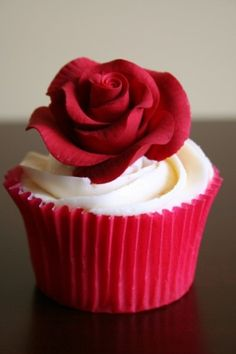 #Cakes rose cupcake by guadalupe