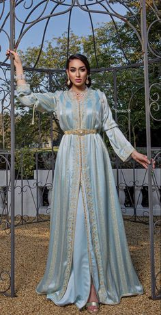 Moroccan Bride, Moroccan Caftan, Moroccan Style, Abaya Fashion, Fashion Dresses, Evening Dresses Uk, African Print Fashion, African Dress, Traditional Dresses