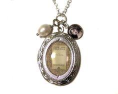 *Pride & Predjudice* Medaillon Kette silber Austen von ⊱TheBlackBox⊰ Romantischer Schmuck & Accessoires für Individualistinnen auf DaWanda.com