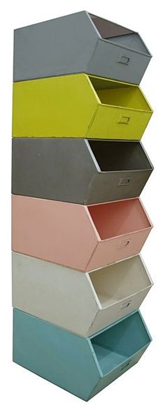 With this metal storage box your room is tidy in one second! The storage boxes are stackable, so choose your favourite colours and collect them all.