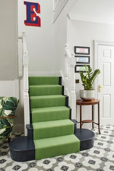 Green stair runner and black and white patterned cement tile floor in the home of fashion stylist Erica Davies Green Carpet, Carpet Colors, Apartment Therapy, Stair Renovation, Ted, Crime, Mad About The House, New Interior Design, Ladders