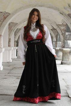 Tora festdrakt Folk Costume, Costumes, Waist Skirt, High Waisted Skirt, Formal, Skirts, Style, Fashion, Preppy