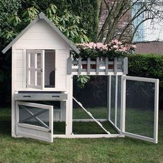 Konijnenhok Estate | Mooi konijnenhok met ren Small Chicken Coops, Chicken Coop Designs, Backyard Chicken Coops, Diy Chicken Coop, Chickens Backyard, Rabbit Cages Outdoor, Indoor Rabbit House, Outdoor Rabbit Hutch, Pet Bunny Rabbits