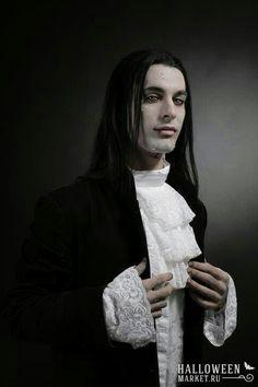 Красивые вампиры мужчины на хэллоуин (фото)