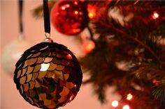 Avalansa de Mosi | Cristina Otel Website Images, Christmas Bulbs, Holiday Decor, Home Decor, Decoration Home, Christmas Light Bulbs, Room Decor, Home Interior Design, Home Decoration