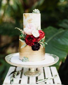 2 Tier Wedding Cakes, Metallic Wedding Cakes, Amazing Wedding Cakes, White Wedding Cakes, Elegant Wedding Cakes, Wedding Cakes With Flowers, Wedding Cake Designs, Wedding Desserts, Wedding Cake Toppers