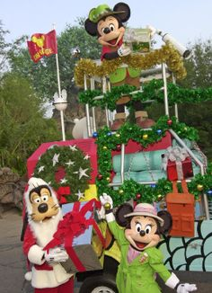 Some of the Holiday Festivities in Animal Kingdom and Epcot, particularly.  (Pinning for next year's trip)!