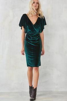 Yeşil Kruvaze Yaka Kadife Elbise