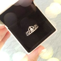 Pandora princess ring ⭐️Absolutely beautiful and meant for a Princess!