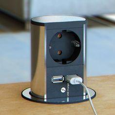Opbouw stopcontact met 2 usbpoorten. (øxh): 86 x 138 mm (uitwendig/inbouwhoogte). Met 1 stopcontact en 2 USB laders 5,2 Volt/2150 mA. Voor montage in het werkblad of in de bodem van een bovenkast. Maximale totale belasting: 3680 Watt