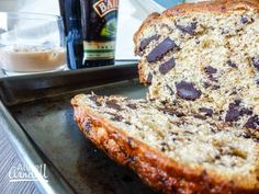 This is a great alternative to your bog-standard banana bread. Chocolate and banana are a classic combination but the addition of Baileys takes it to another level. Chocolate Chip Banana Bread, Chocolate Chips, Chocolate Baileys, Smoothies, Deserts, Sweets, Baking, Alice, Eat