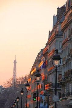 Paris est une Fête! — Coucher du soleil à Paris. Paris sunset.